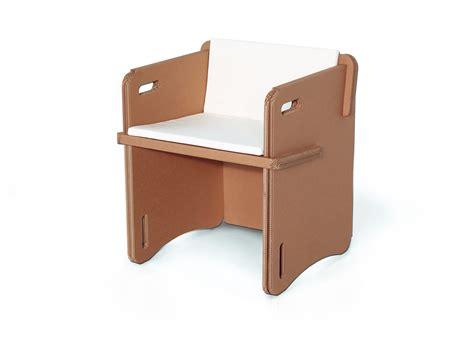 mobili cartone costruzione dei mobili in cartone laboratorio di riciclo