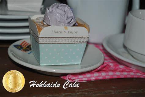 Souvenir Tempat Tissue Hias Animal pin unik dan lucu kue pernikahan yang lezat cake on