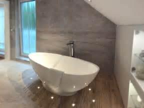 moderne freistehende badewannen freistehende badewanne barletta aus mineralguss wei 223