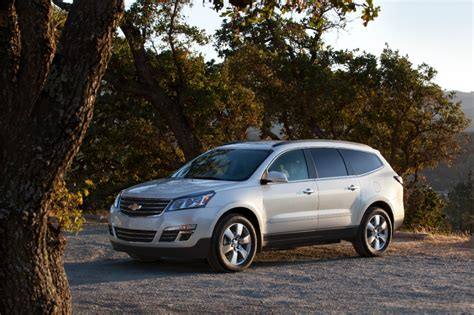 chevrolet crossover 2014 traverse updates changes gm authority