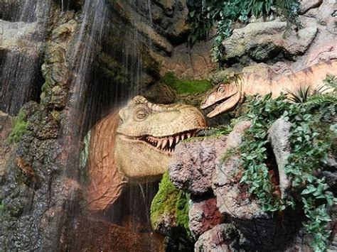 jurassic jungle boat ride in pigeon forge tennessee jurassic jungle boat ride pigeon forge tn youtube