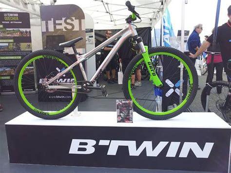 cadenas de bici en decathlon decathlon vende 3 5 millones de bicicletas al a 241 o