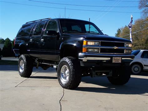 chevrolet suburban lifted image gallery lifted 93 suburban 2500
