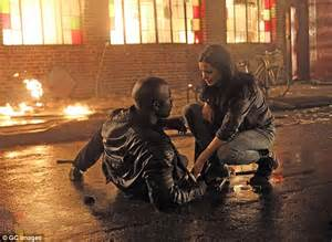 mike colter stunt double krysten ritter comforts co star mike colter on set of