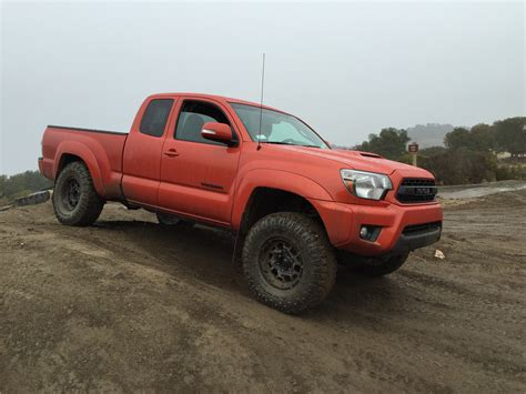 toyota tacoma vs comparison toyota tacoma regular cab base 2014 vs