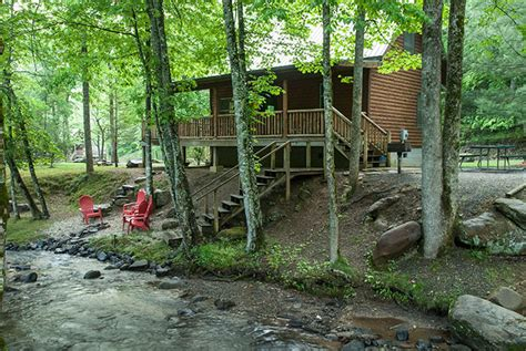 creekside family getaway cabin with picnic pavilion near