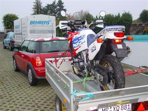 Cross Motorrad Laden by Motorrad Auf Anh 228 Nger Verzurren Crossrunner Crosstourer