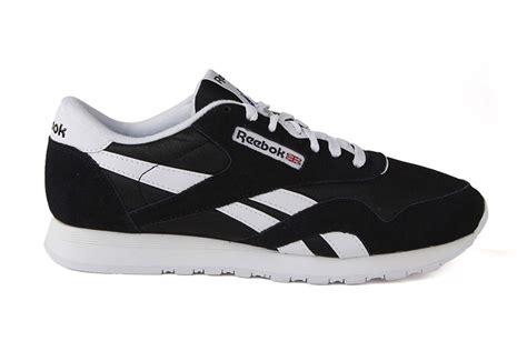 Sepatu Reebok Gl 600 Casual Sneakers Pria 9 Warna 1 reebok classic black white