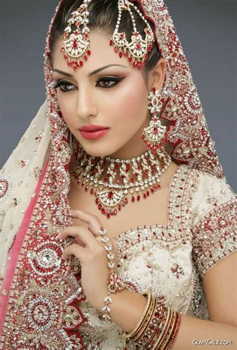 Professional makeup artist New Jersey   Sakhi Beauty