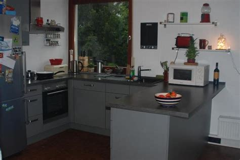 u form küche kaufen wohnzimmer in rot und schwarz