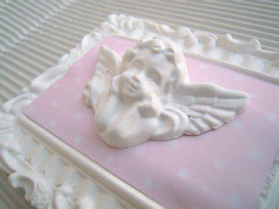 cornici antichizzate cornici shabby chic in gesso bianco antichizzate con