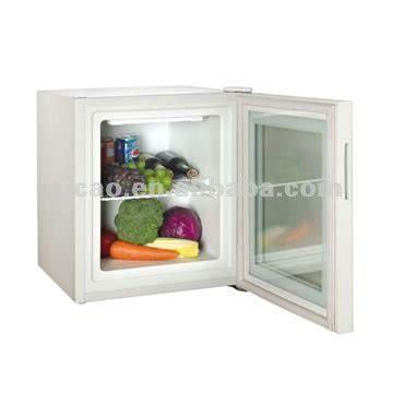 Small Glass Door Freezer 70l Glass Door Mini Freezer With Temp 5 9 C Buy Mini Freezer Kitchen Mini Freezer