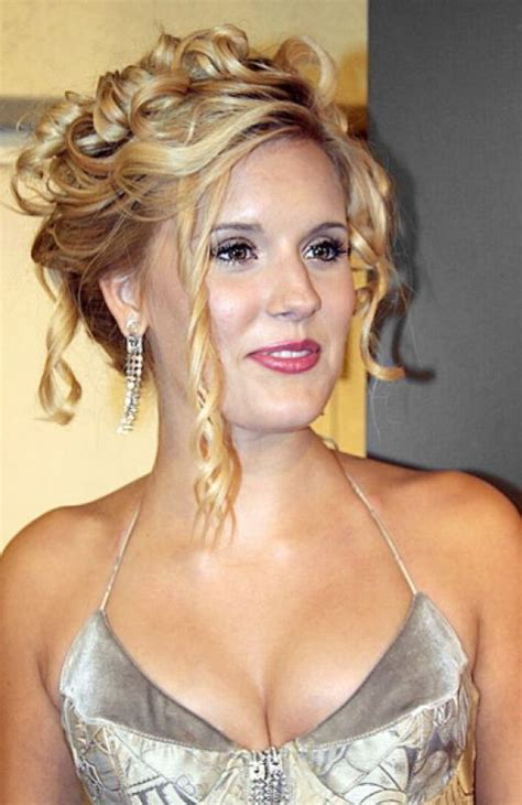 hairstyle for medium hair for 40 most charming prom hairstyles for 2016 fave hairstyles