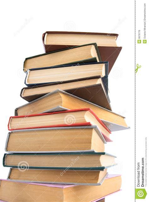 la montaa de libros 8491420509 monta 241 a de libros imagen de archivo libre de regal 237 as imagen 6679776