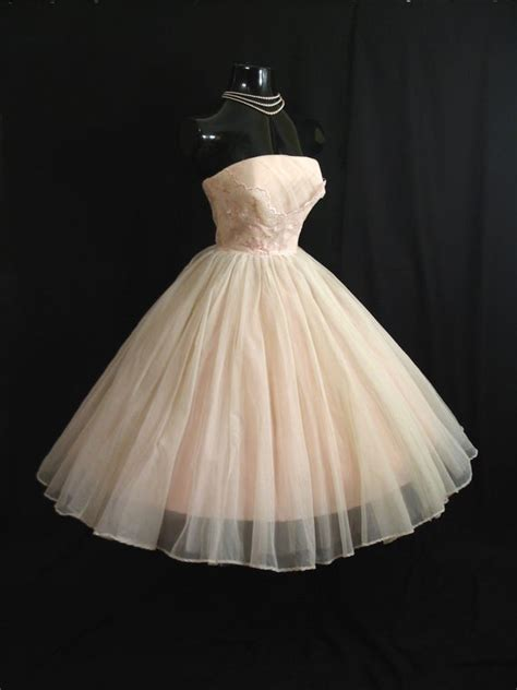 reserved vintage   strapless cupcake pink white
