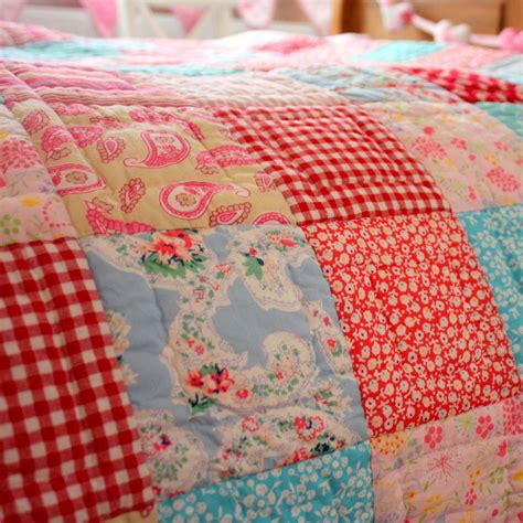 Patchwork Bed Quilts - babyface matilda patchwork quilt single bed totally