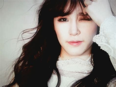 tiffany should just get an instagram instead of changing