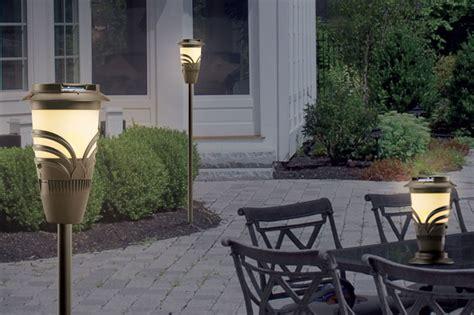 contro le zanzare in giardino thermacell torcia repellente per zanzare da giardino