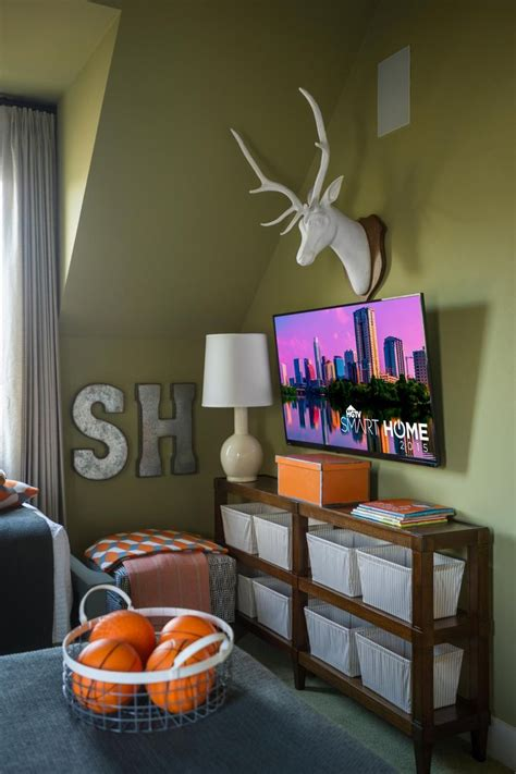 best smart tv for bedroom 8 best images about hgtv smart home 2015 on pinterest