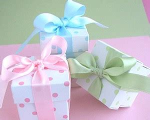 Baby Shower Gift Wrapping Techniques by Musely