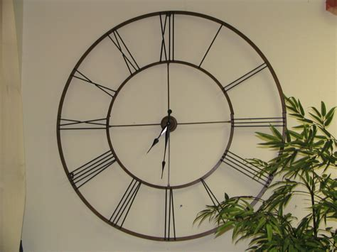 giant wall clock using oversized wall clocks to decorate your home