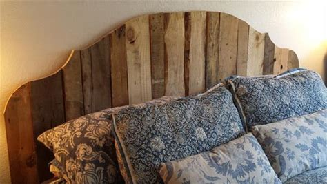 Diy King Headboard Pallet Wood Headboard For King Bed 101 Pallets