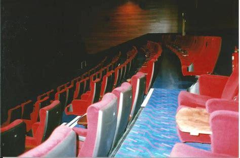 cineworld cinema   greenwich  london gb cinema