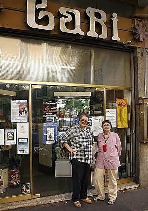 libreria piazza della repubblica roma a rischio chiusura la libreria gabi l arcigay