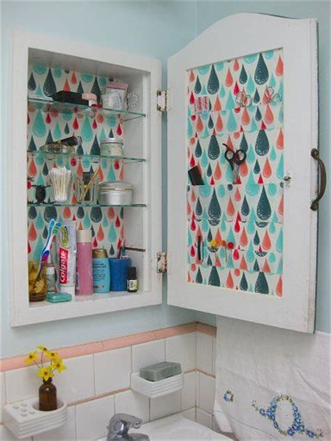 which way should a medicine cabinet open 25 best ideas about medicine cabinets on