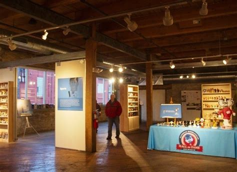 bobblehead museum national bobblehead museum finds permanent home in walker