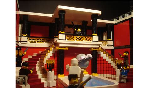 Casa Scarface by 10 Famosi Rifatti Con I Lego Wired