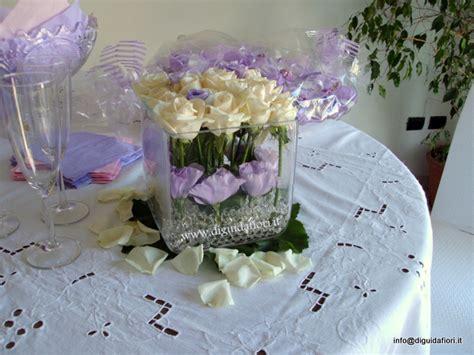 composizioni floreali vasi di vetro composizione floreale in vaso di vetro quadrato fiorista