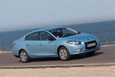 renault fluence renault fluence saloon review 2012 2013 parkers