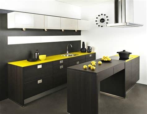 cuisine jaune et noir darty cuisine weng 233 et jaune photo 4 20 spots