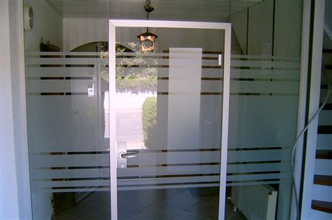 Sichtschutzfolie Fenster Reinigen by Sichtschutzfolien Dekofolien F 252 R Ihre Fenster Und T 252 Ren
