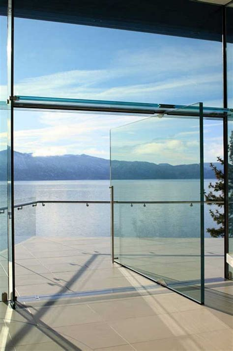 Pivot Glass Door Solid Glass Door On A Pivot Hinge Way Cool But Damn That Has To Be Expensive Cool Houses