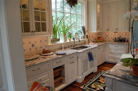 Traditional English Home Decor English Kitchen