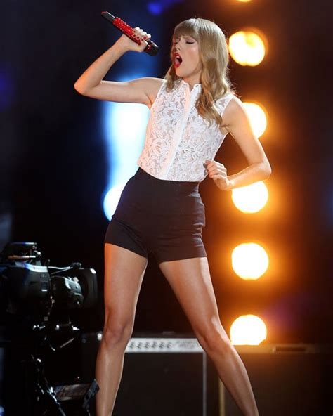 taylor swift sexiest outfit taylor swift cma music festival outfit see her sexy