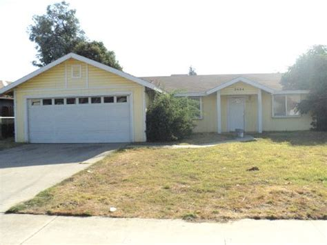 houses for sale in visalia ca 2404 n oak park ct visalia ca 93291 foreclosed home information foreclosure homes