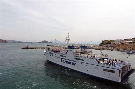 porto di napoli per ischia caremar 7 porti golfo di napoli collegati tutti i