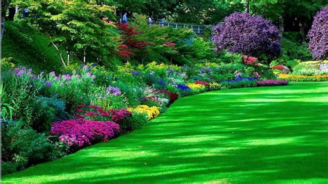Pretty Flower Gardens Beautiful Flower Garden