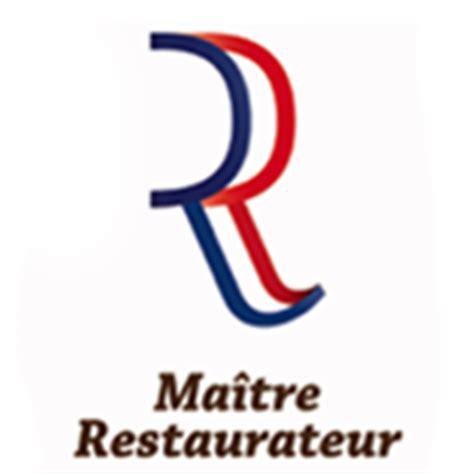 Bistro Table Base L Embellie Restaurant 224 Proximit 233 De Cluny En Bourgogne