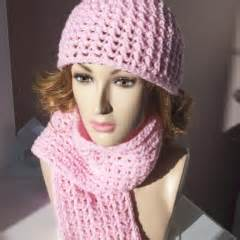 Crochet matching hat and scarf
