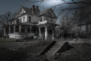 the 13 scariest real haunted houses in america
