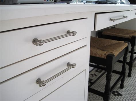 bronte traditional cabinet and drawer handle pulls