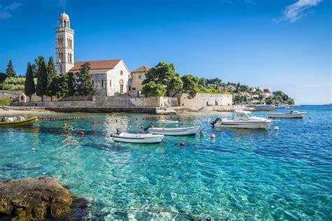 beautiful islands   world road affair