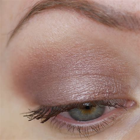 Eyeshadow A carpet look clarins eyeshadow palette in rosewood and makeup revolution gold lipstick
