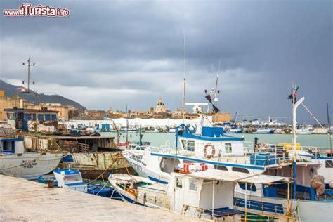 porto di trapani pescherecci nel porto di trapani sicilia citt 224
