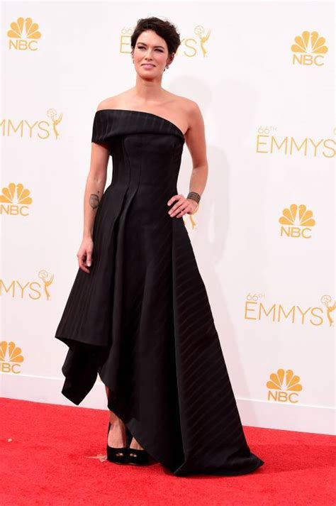 Report Emmy Nominees List Is Out by Fashion Report Emmys 2014 Carpet Best And Worst Dressed