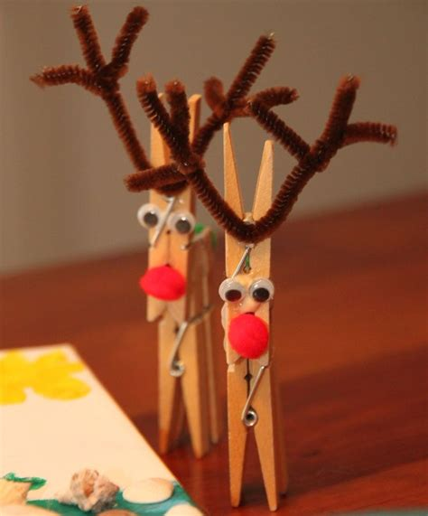 reindeer craft projects clothespin reindeer holidays